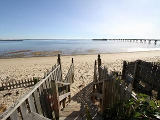 3BR Condo w/ Balcony Deck & Coastline Views - Beach Access in Provincetown