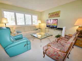 Solana Beach Condo - Close to Beaches & Shopping!
