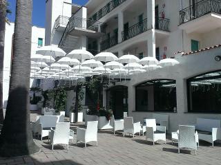 Appartamenti a 300 m dal mare con piscina, Pietra Ligure