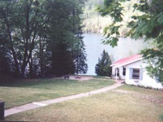 Peaceful retreat 8 minutes from Mont Tremblant