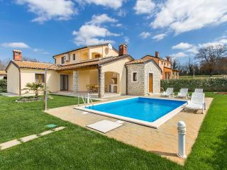 3 bedroom Villa in Mofardini, Istria, Croatia : ref 5505019