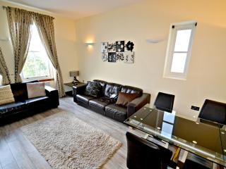 Fabulous 2 Bed Bayswater Boutique Apartment, London