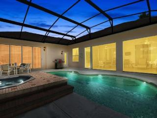 Luxurious 4 Bedroom 3 Bathroom Pool Home With Games Room. 354PD, Orlando