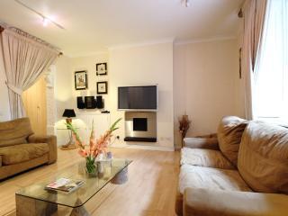 Luxury Apartment in Knightsbridge, London