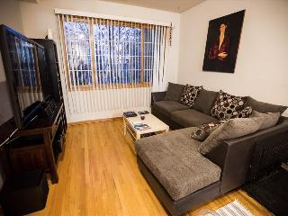 3 Bedroom 2 Bath Condo in Wicker Park, Chicago