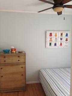 Bedroom 3: Queen Bed