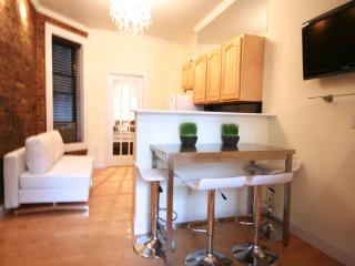 2 Bedroom Modern Elegance, Toronto