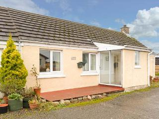 BRAEMAR COTTAGE, semi-detached, all ground floor, conservatory, garden, in Inver, Tain, Ref 929349