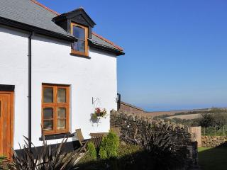 HOUSM Barn situated in Clovelly (1m N)