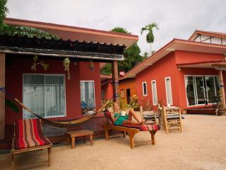 Gecko Beach Villas (One bedroom), Hin Kong Beach. Koh Phangan