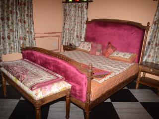 Court Shekha Haveli Room Orange, Jaipur