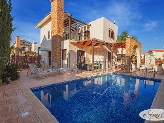 3 Bedroom Villa Elieen, Ayia Tekla, Ayia Napa