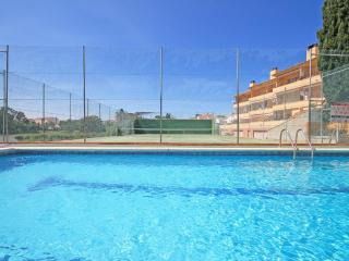 House in 450m from beach with pool, a/c, terrace, L'Escala