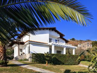 Villa Gea - Sorrento Coast, swimming pool, garden, sea view. parking, Wi-Fi, Sant'Agata sui Due Golfi