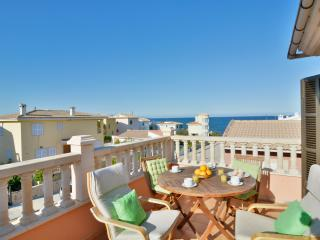 Mallorca apartment 150mtrs sea view, Son Serra de Marina