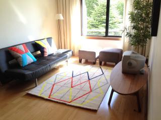 Sunny Apartment in Quiet Area, Porto