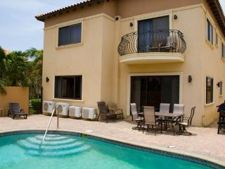 Casa La Familia Four-bedroom villa -158