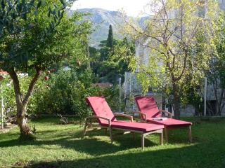 Villa Nona APT 3 - 6 pax, 90 sqm, sea view, garden