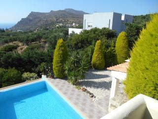 Amazing villa private pool,3 bedrooms,sea view,BBQ, Kissamos