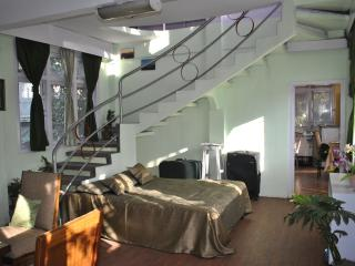 Sushma Villa- Family run, Large, Single Use Villa, Darjeeling