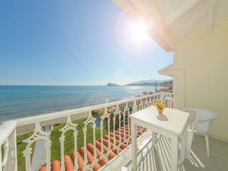 Two-Apartment with Sea View, Laganas