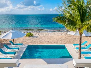 Beachfront villa with magnificent views, especially from the dining area. TNC OCE, Grace Bay