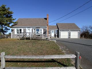 Bayside in Cape Cod – 3BR Wheelchair Accessible, Truro