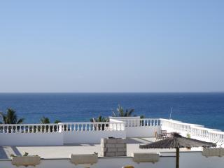 Lovely refurbished apartment stunning sea views 3a