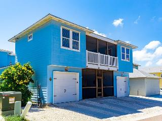Relax and Swim at Dolphin Cove! PETS! 10 bedrooms plus a  PRIVATE POOL!, Port Aransas