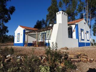 Monte do Casarão: Casa Marcanta op je eigen berg., Odemira