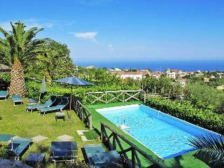 Holiday Home Gea 5 - Sorrento Coast, swimming pool, garden, sea view, Sant'Agata sui Due Golfi