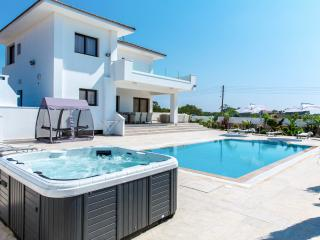 Newly built modern luxury villa, pool, jacuzzi,gym, Protaras