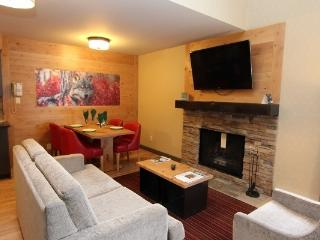 Banff Rocky Mountain Resort Lofted 1 Bedroom Wolf Condo