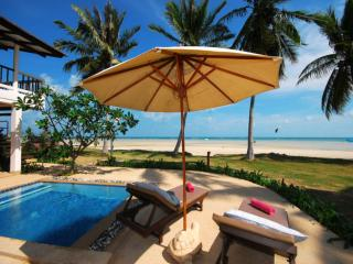 Beachfront 2 Bedroomed Oceanview room