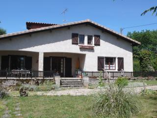 Django, holiday home in peaceful rural setting, Caylus