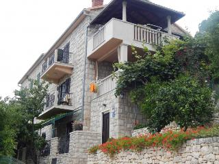 Beautiful stone house - two suites for 10 people, Postira