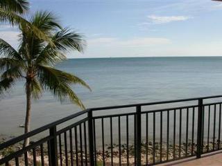 Luxurious Three Bedroom Ocean-front Condominium, Key West