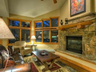 Luxury/Quiet town home in heart of mountain area!, Steamboat Springs