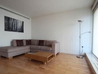 AC Dockland East 2 bedroom