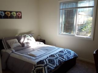 Lovely room in Daly City!, San Francisco