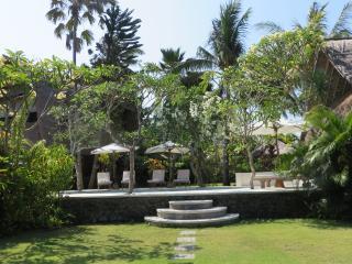 Villa Kayu, Candidasa