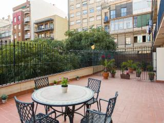 Charming & Modernist Central Apt. Big Terrace!, Barcelona