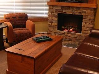 Fernie Timberline Lodge 2 bedroom + loft, 2 bathroom platinum condo