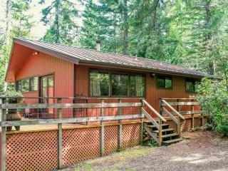 The Cabin- A 10 Minute Walk To The Smith River., Gasquet