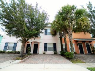 4br/3ba townhome,Lake view,Near Disney,Seaworld,Convention Center