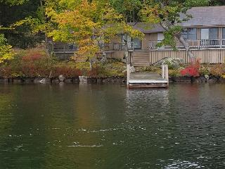 Cute Cottage on Little Bear Island (BAN22IfW), Center Tuftonboro