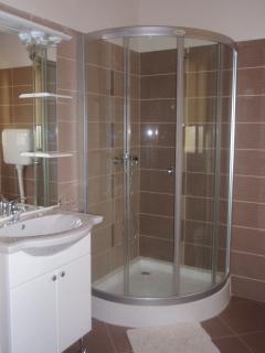 A2(4): bathroom with toilet