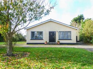 ERICA, detached, all ground floor, large garden, Rosslare Harbour, Ref 931276