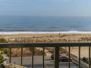 Top-floor ocean view getaway just steps from the beach!, Ocean City