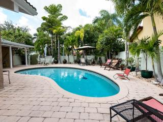 REDUCED RATES!....MAY-NOV. PVT Vacation Pool Home